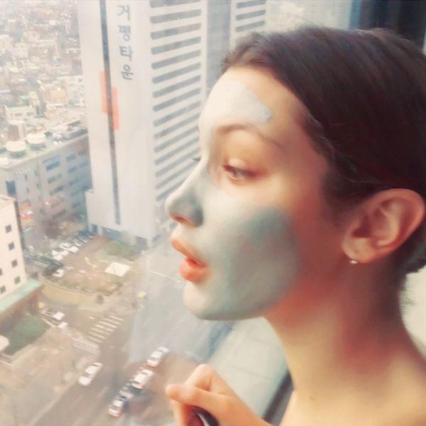 Bella Hadid: Dưỡng da là bí quyết cho diện mạo hoàn hảo