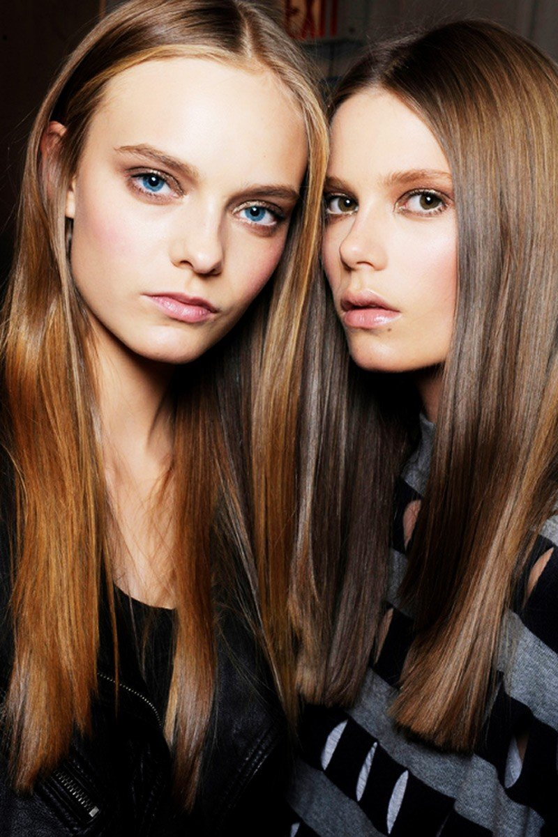 Các sàn diễn thời trang đang cho trình làng những kiểu tóc nào
