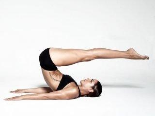 3 bài tập pilates cho chân thon dài, săn chắc như Sao