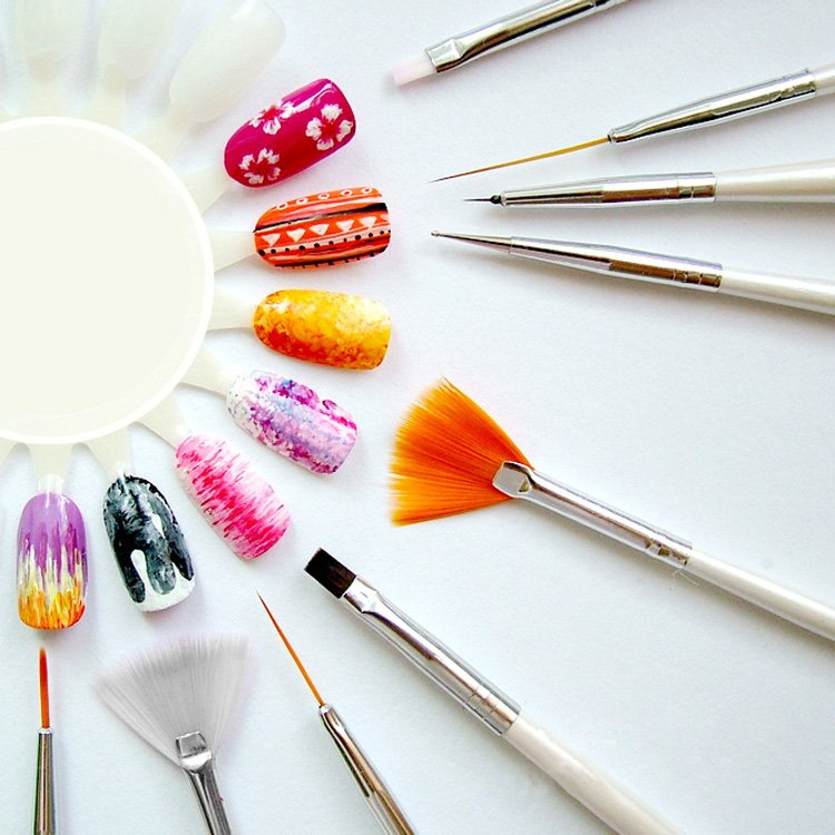 dụng cụ sơn móng tay