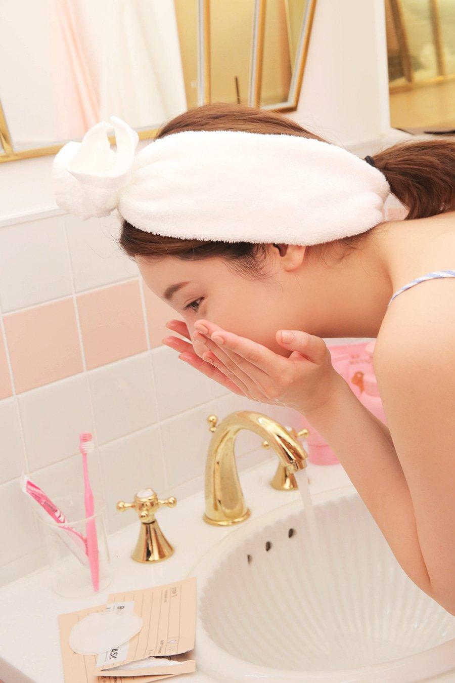 dưỡng ẩm cho da nhạy cảm