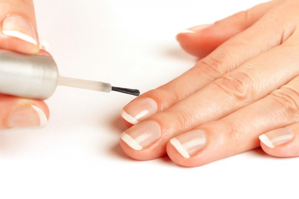 cách sơn móng tay không bị sọc