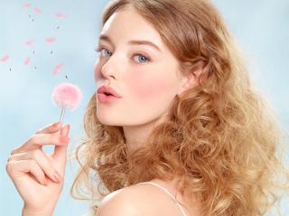 Bạn có đang mắc phải 5 thói quen sau đây khiến mái tóc càng hư tổn nặng hơn?