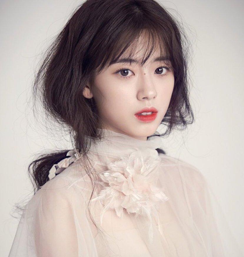 Những kiểu tóc mái thưa Hàn Quốc đẹp và cập nhật xu hướng