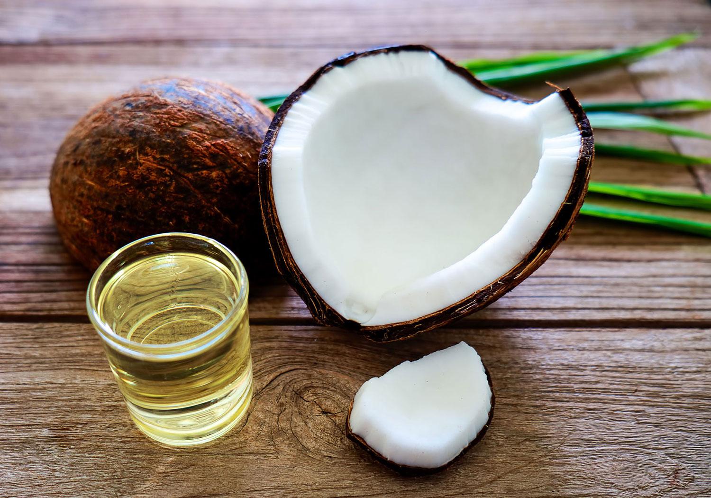 răng trắng sáng với dầu dừa