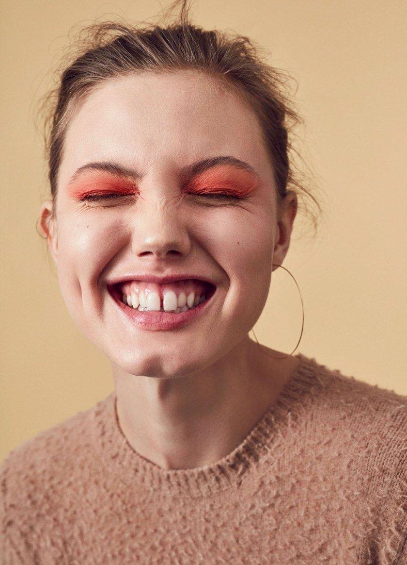 Những thói quen và món ăn quen thuộc khiến răng bị ố vàng