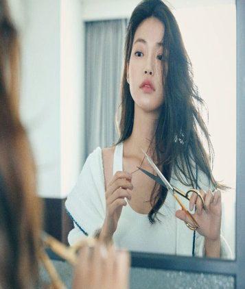 Các tác hại nghiêm trọng không ngờ của tóc hư tổn không phải ai cũng biết