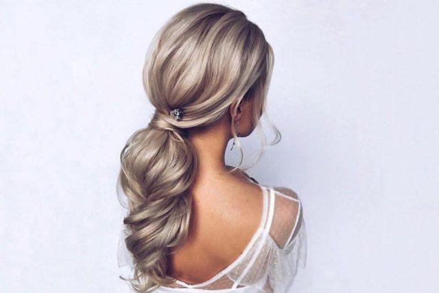 Có bao giờ bạn tự hỏi: vì sao tóc rụng nhiều hơn bình thường?