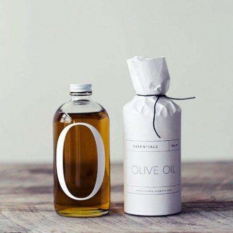 4 Cách dùng dầu oliu dưỡng tóc mượt mà, óng ả chuẩn bị đón Tết