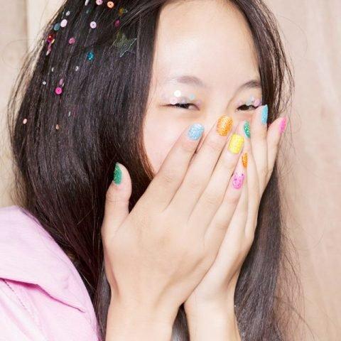 <span class='p-name'>5 Lưu ý khi chọn mẫu nail để không làm bạn trở nên &#8220;lòe loẹt&#8221;</span>