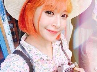 Ai bảo nhuộm tóc tone màu đỏ chỉ dành cho nàng cá tính?
