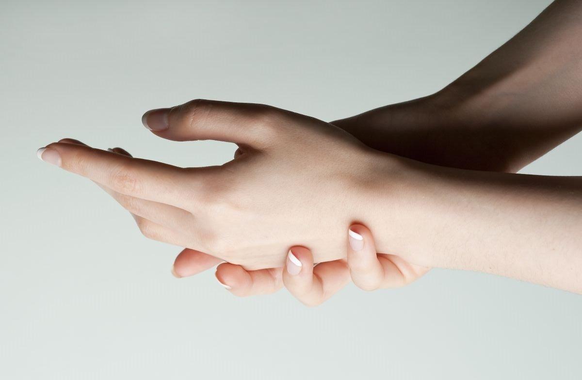 sai lầm khi dưỡng da tay