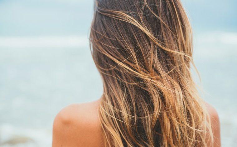 Năm mới hãy tập từ bỏ 9 thói quen khiến tóc ngày càng khô xơ, hư tổn sau