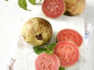Làm đẹp tiết kiệm mùa Tết: Giảm cân trong 1 tuần chỉ bằng cách ăn ổi?