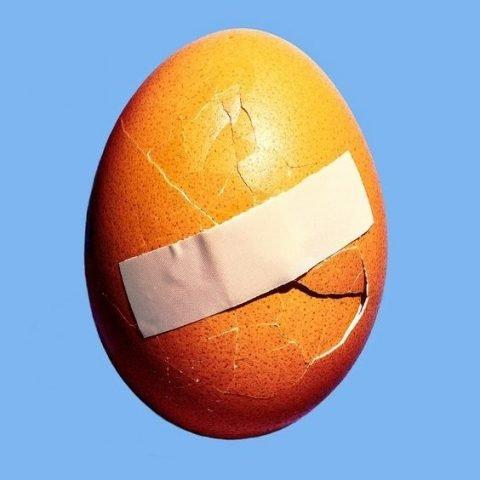 """""""Truyền thuyết"""" lột mụn đầu đen bằng trứng gà liệu có thực sự hiệu quả?"""