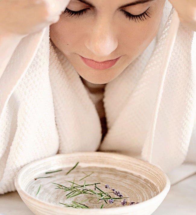 Cách xông hơi mặt đúng cách giúp trắng da và trị mụn hiệu quả