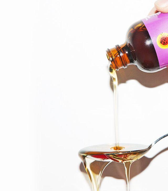 Nàng cần tẩy trang với dầu oliu & dầu dừa đúng cách nếu không muốn bị mụn!