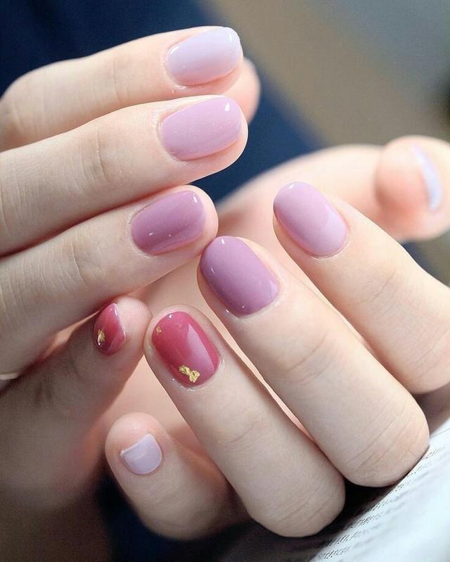 sơn móng màu tím