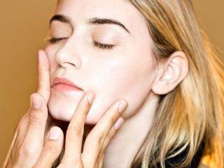 Cách massage đầu thư giãn giảm stress, nạp mood đầu năm