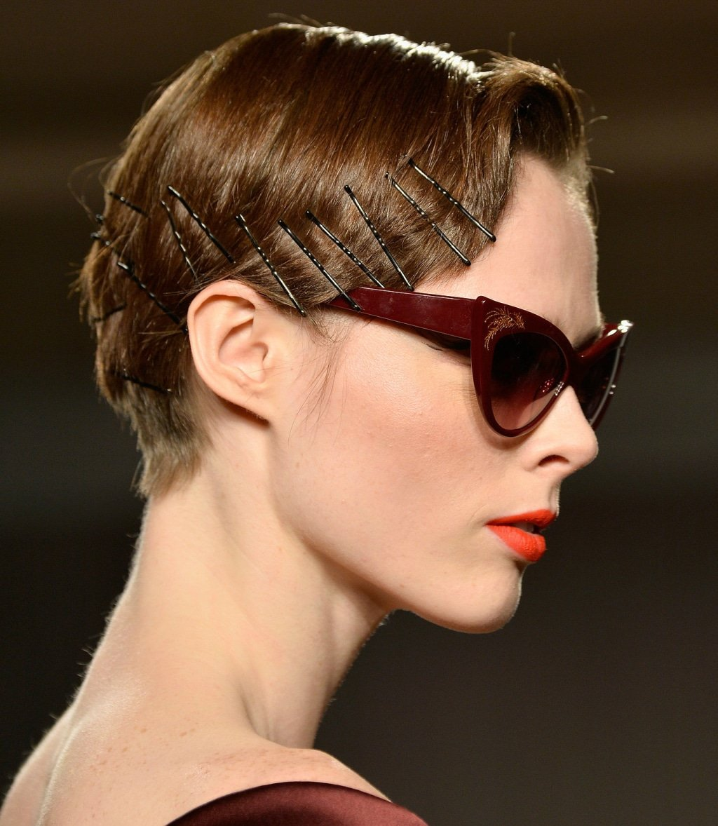 tạo kiểu tóc bằng kẹp tăm