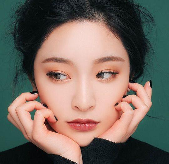 """Tạo bọng mắt – bí kíp makeup """"hack tuổi"""" của các Ulzzang xứ Hàn"""