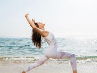 Combo nước muối và yoga – phương pháp giảm cân + đẹp da + thải độc cơ thể