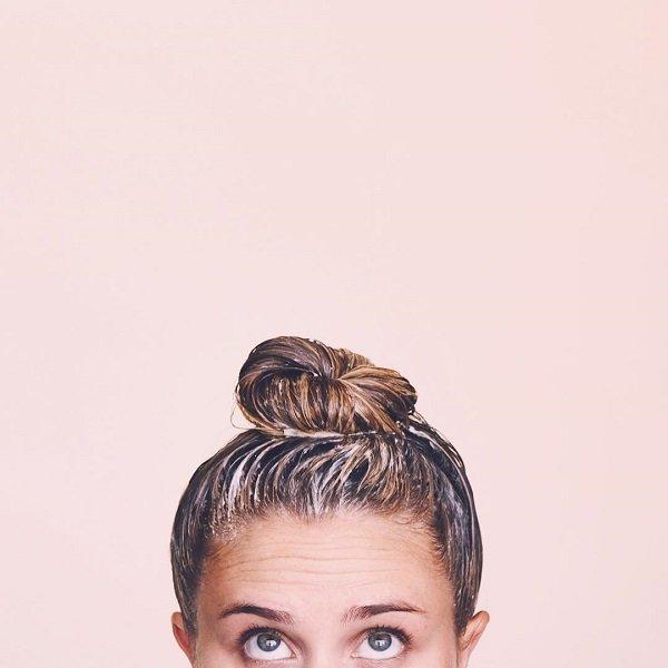 3 cách chăm sóc tóc uốn bằng dầu dừa cực đơn giản