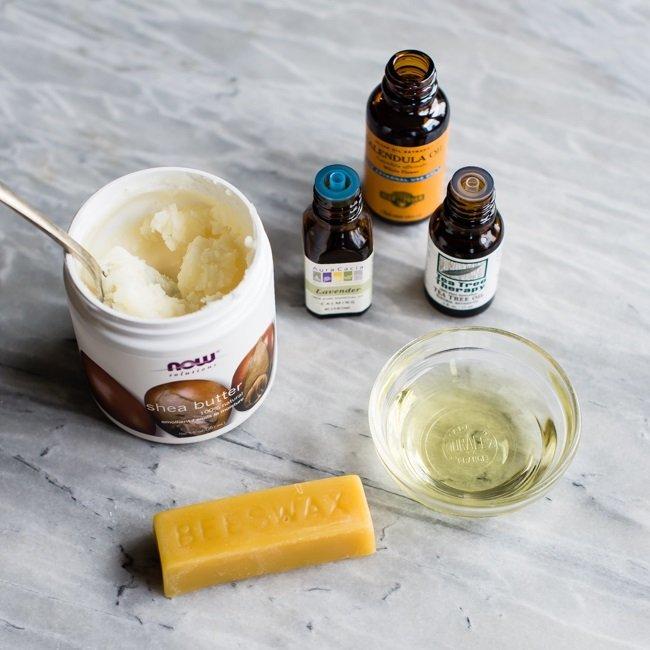 tự làm kem dưỡng ẩm từ sáp ong