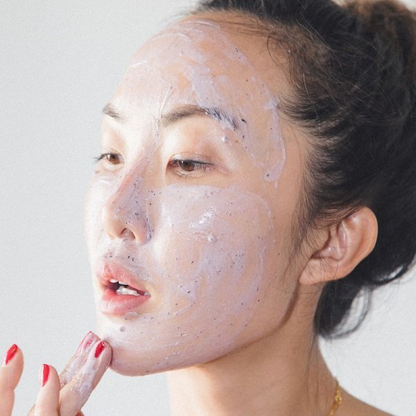 Review 10 dòng sữa rửa mặt cho da nhạy cảm tốt nhất hiện nay