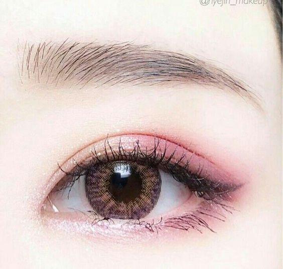 Cách đánh mắt tông hồng đất nhẹ nhàng