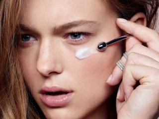 Nàng da khô nào cũng phạm phải 4 sai lầm sau khi sử dụng kem dưỡng ẩm