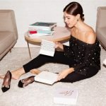 """Lắng nghe Emily Weiss – founder của Glossier – chia sẻ bí quyết đẹp """"sang chảnh"""""""