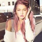 Nếu có ý nhuộm tóc màu tím, hãy cẩn thận kiểm tra tông da trước đã nhé!