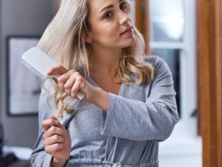 Nguyên nhân rụng tóc ở nữ và cách trị rụng tóc hiệu quả