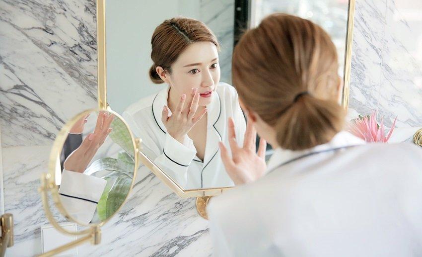 Đây là 4 lý do vì sao các nàng da mụn chăm mãi mà da vẫn không đẹp nổi!