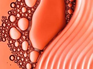Liệu cồn (alcohol) trong mỹ phẩm có ảnh hưởng đến làn da nhờn mụn?