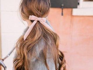 Ruybăng + tóc uốn đuôi: Combo đáng yêu từ thập niên 90