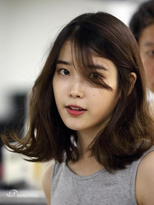 Tóc uốn đuôi ngang vai Hàn Quốc
