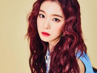 Nhuộm tóc màu nâu đỏ ánh tím: chuyện gì xảy ra khi trend cũ và trend mới kết hợp?