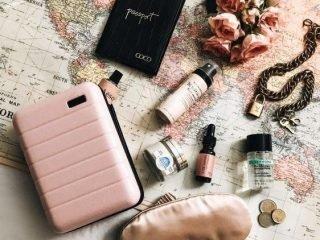4 lí do vì sao bộ trang điểm mini là must-have-item của mùa du lịch