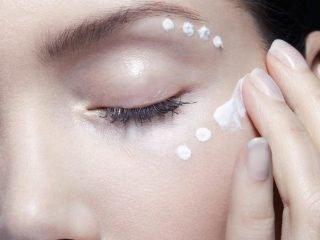 Top 5 loại kem mắt Nhật Bản vừa hiệu quả lại tiết kiệm dành tặng mẹ mùa này