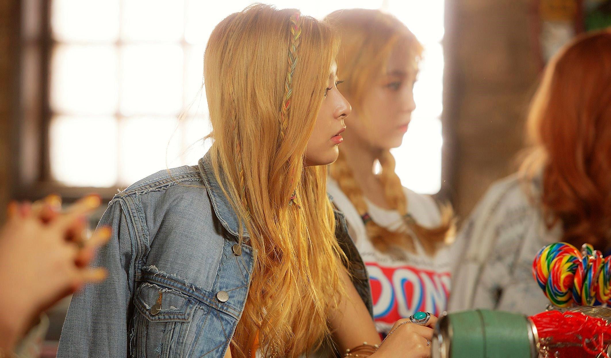 màu tóc nâu vàng