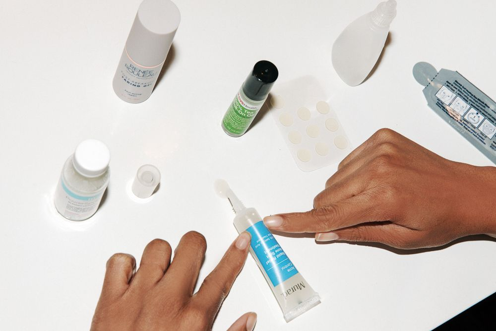 Sử dụng kem trị thâm mụn không rõ nhãn mác