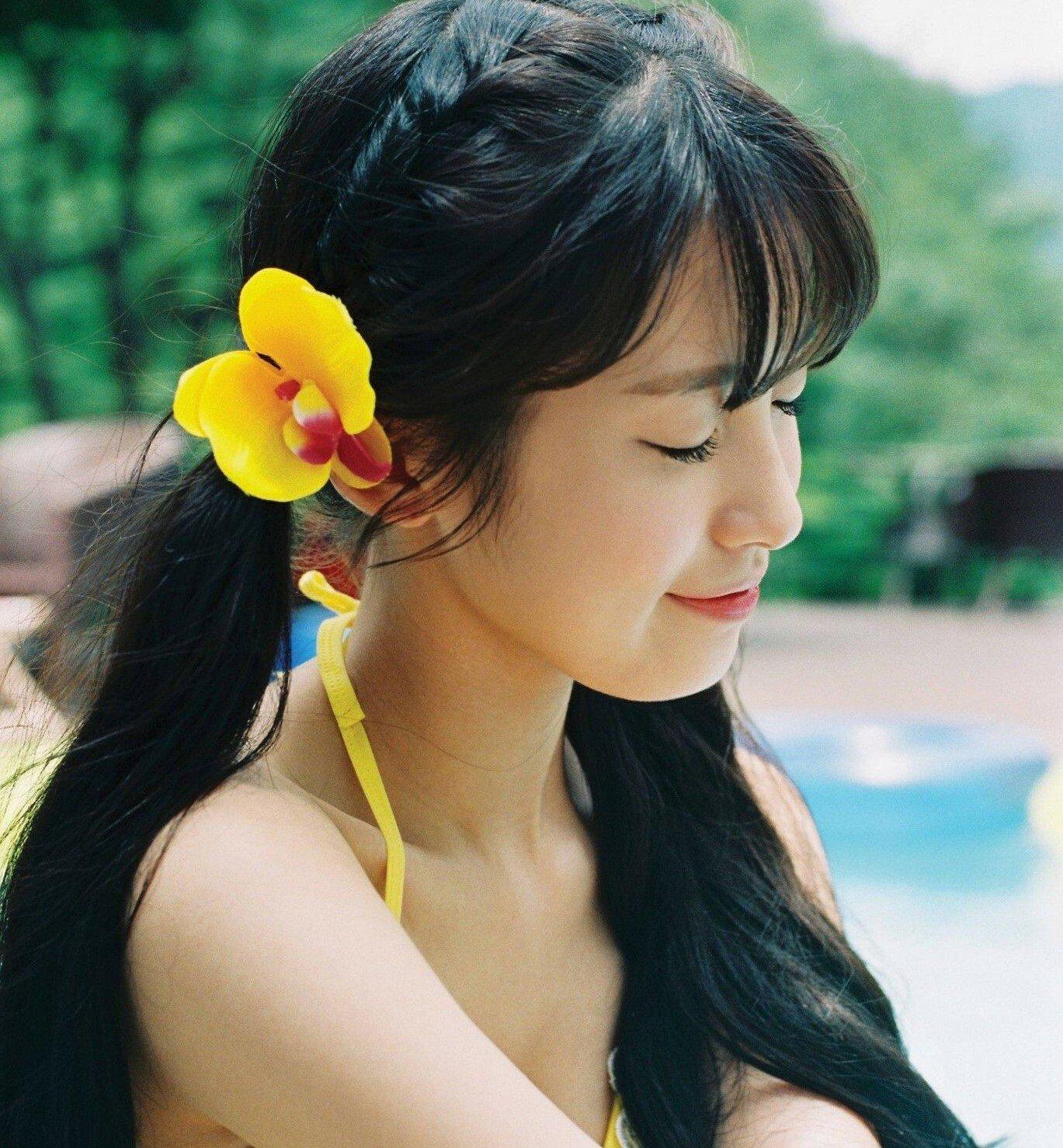5 kiểu tóc bím cực hợp cạ với nón đi biển nhất định phải thử hè này