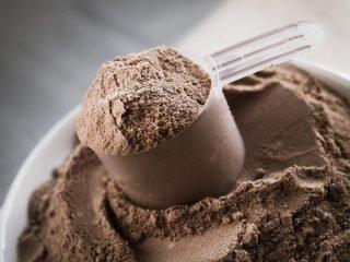 Vì sao whey protein lại quan trọng với cơ thể những cô nàng & anh chàng mê gym?
