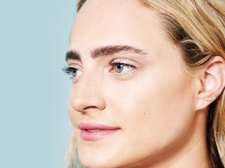 Thử thách xoá nếp nhăn vùng mắt bằng dầu dừa chỉ trong 1 tuần, bạn có tin?
