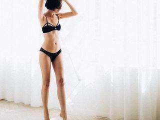 4 lí do vì sao làn da càng cần phải được dưỡng ẩm nhiều hơn vào mùa hè?