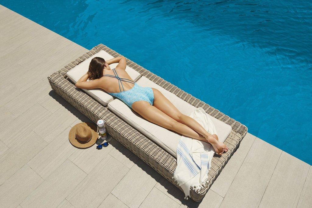 Tất tần tật về tắm nắng cho cô gái mê làn da nâu | Đẹp365
