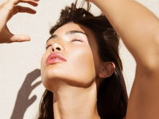Mái tóc cần gấp 3 tips sau vào mùa hè, trong đó 1 tip có hiệu quả tức thì!