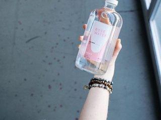 4 Thói quen uống nước cực kì sai lầm mà bạn phải thay đổi ngay hôm nay!